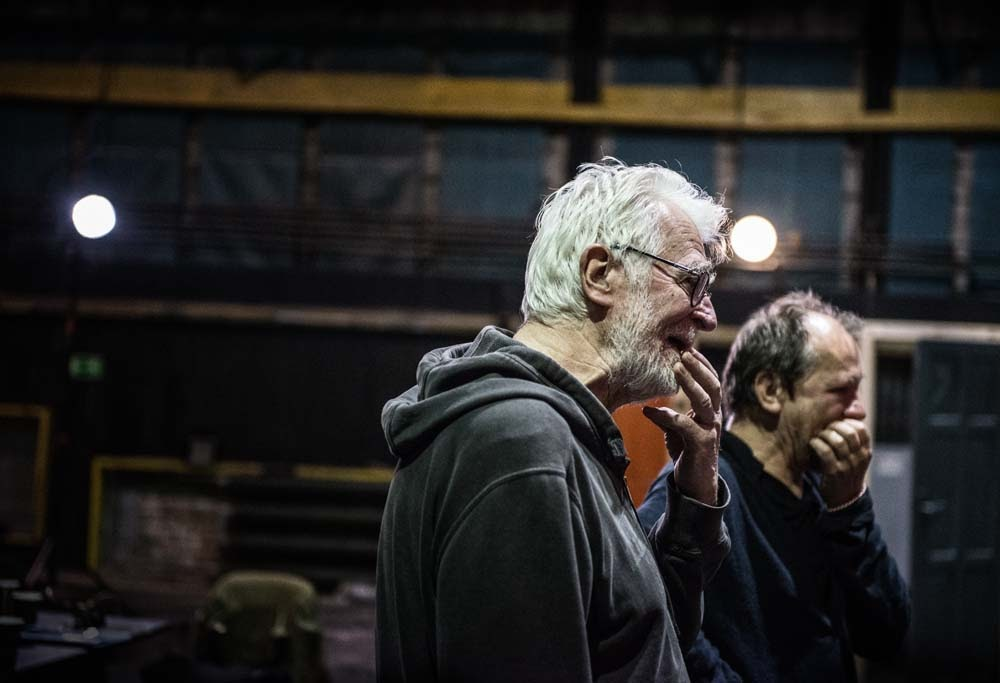 Krystian Lupa and Piotr Skiba during rehearsals for the <i>Proces</i> [<i>The Trial</i>], Warsaw, 2018, photo: Magda Hueckel